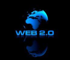 Grafik mit schematischer Ansicht der Erde aus dem All, darunter der Schriftzug Web 2.0 als Sinnbild für den Redakteur für Social Media Marketing